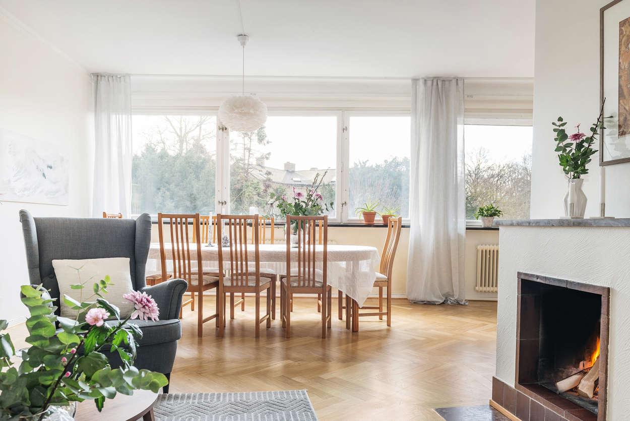 Välkomna till en härlig ljus bostad i kulturkvarteren med utsikt över Botan!