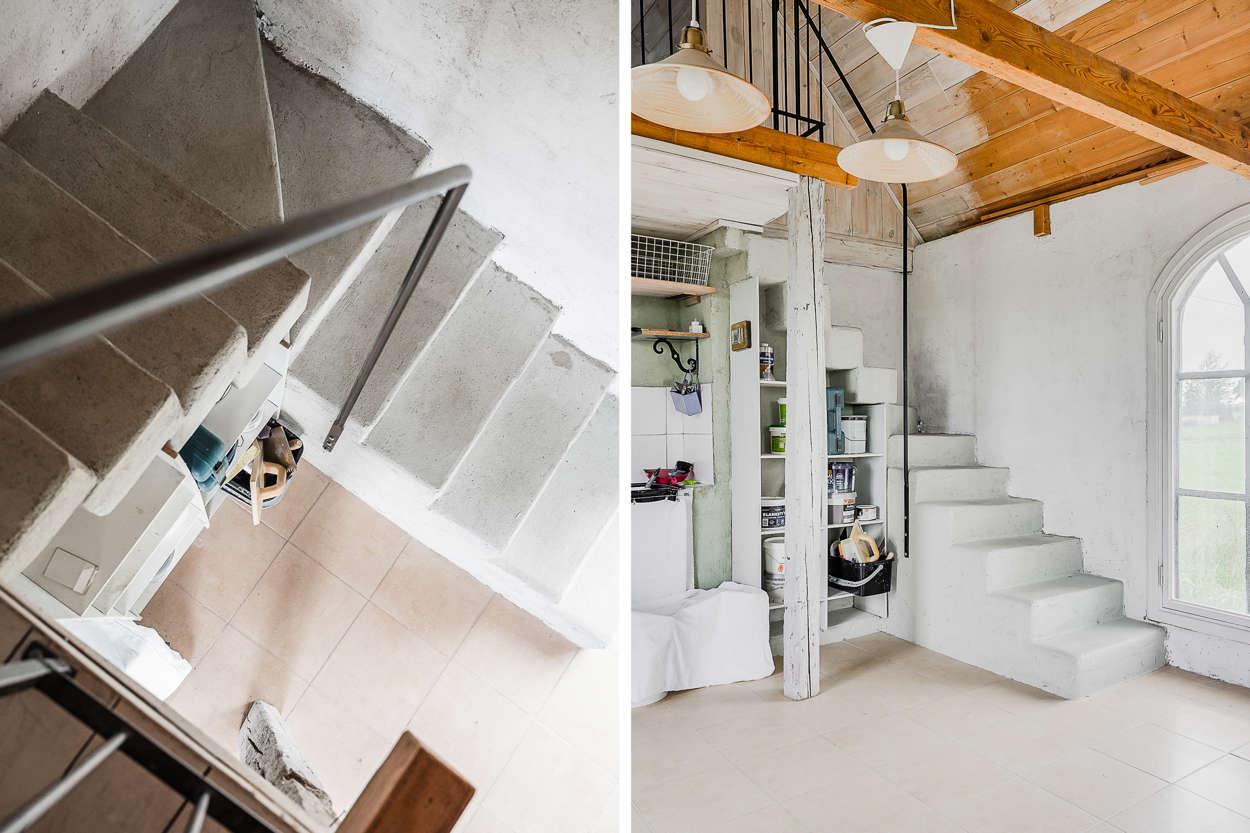 Den vackra gjutna trappan till sovloftet i ateljén.
