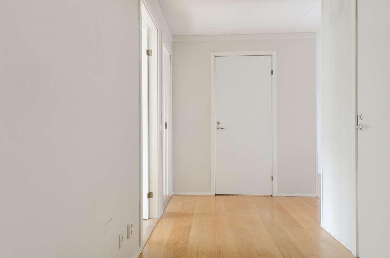 Hallen mot lägenheten