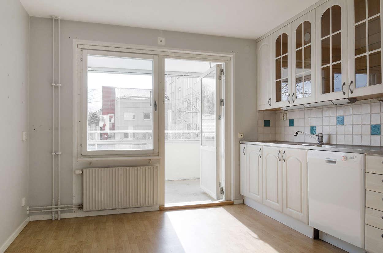Köket med balkongen