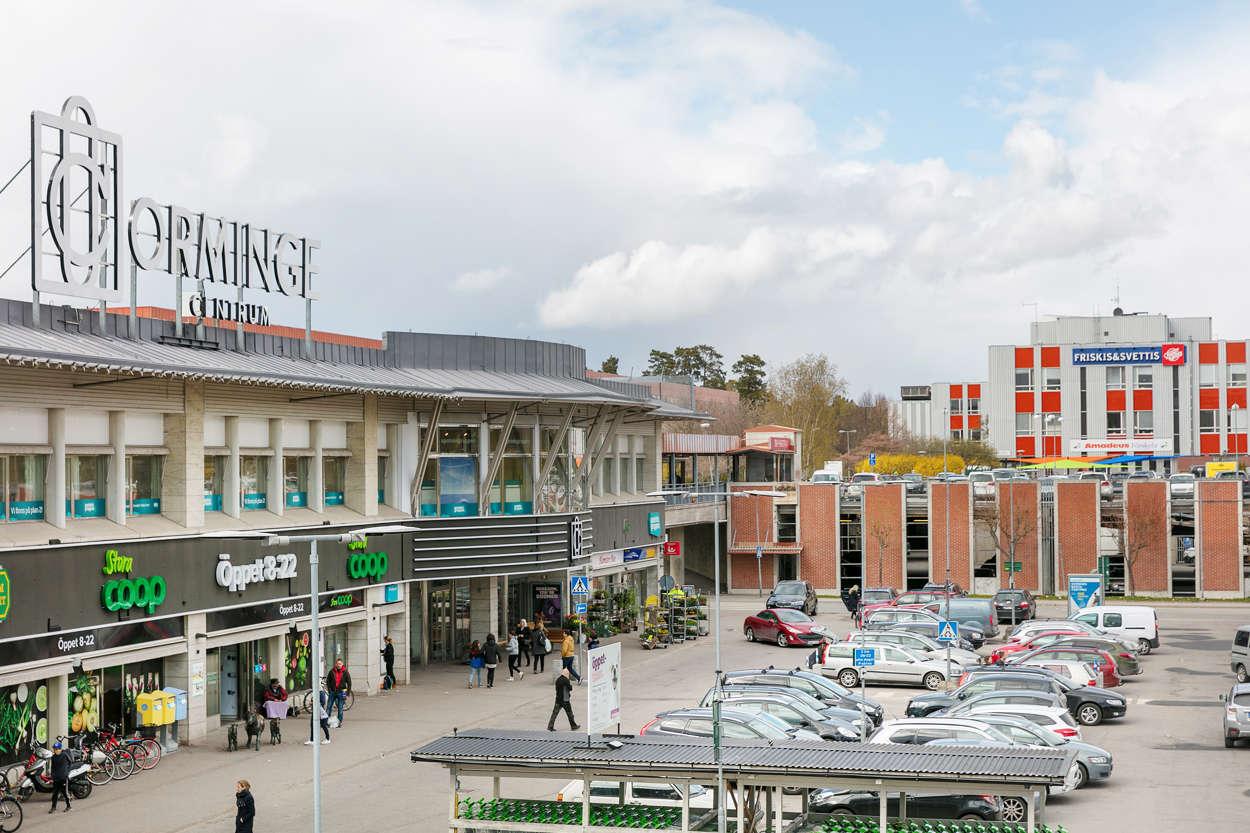 Orminge C närmaste köpcentrum