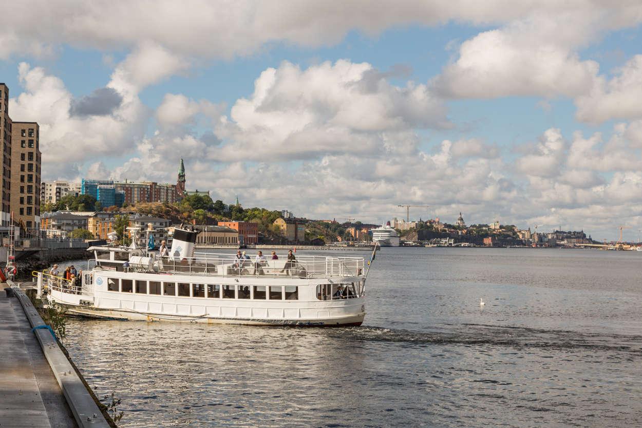Pendelbåt till Nybrokajen