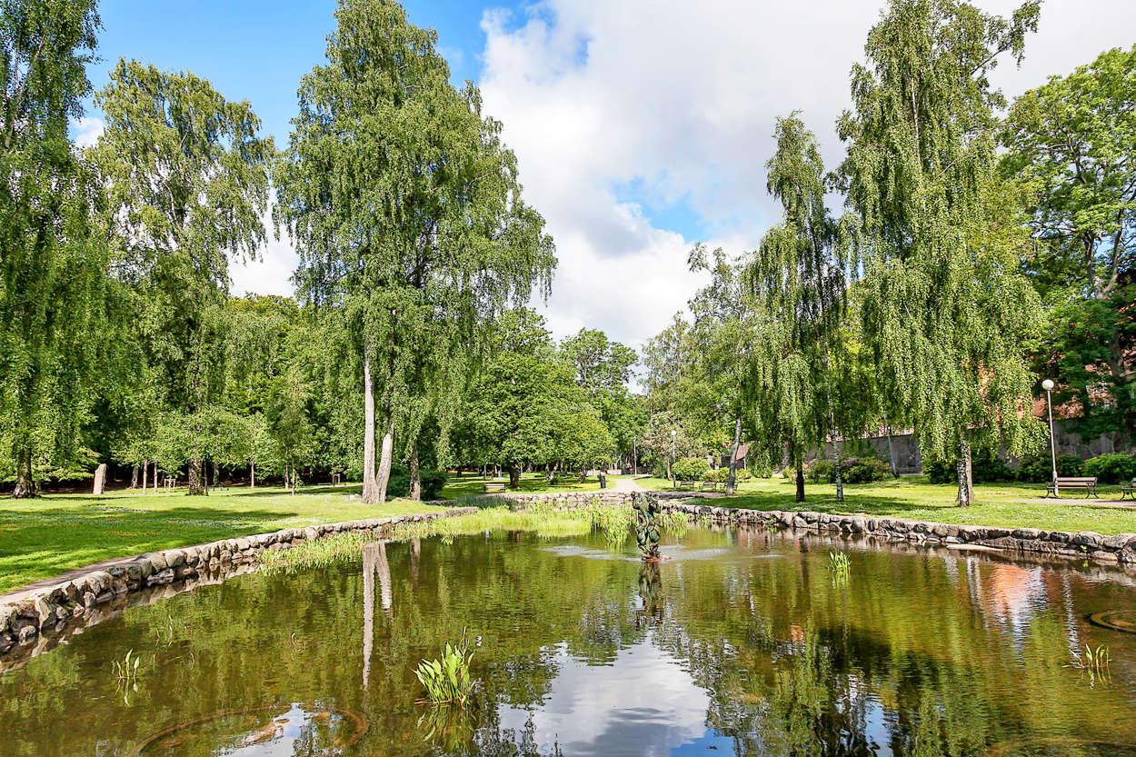 Fina promenadstråk i Keillers Park på Ramberget