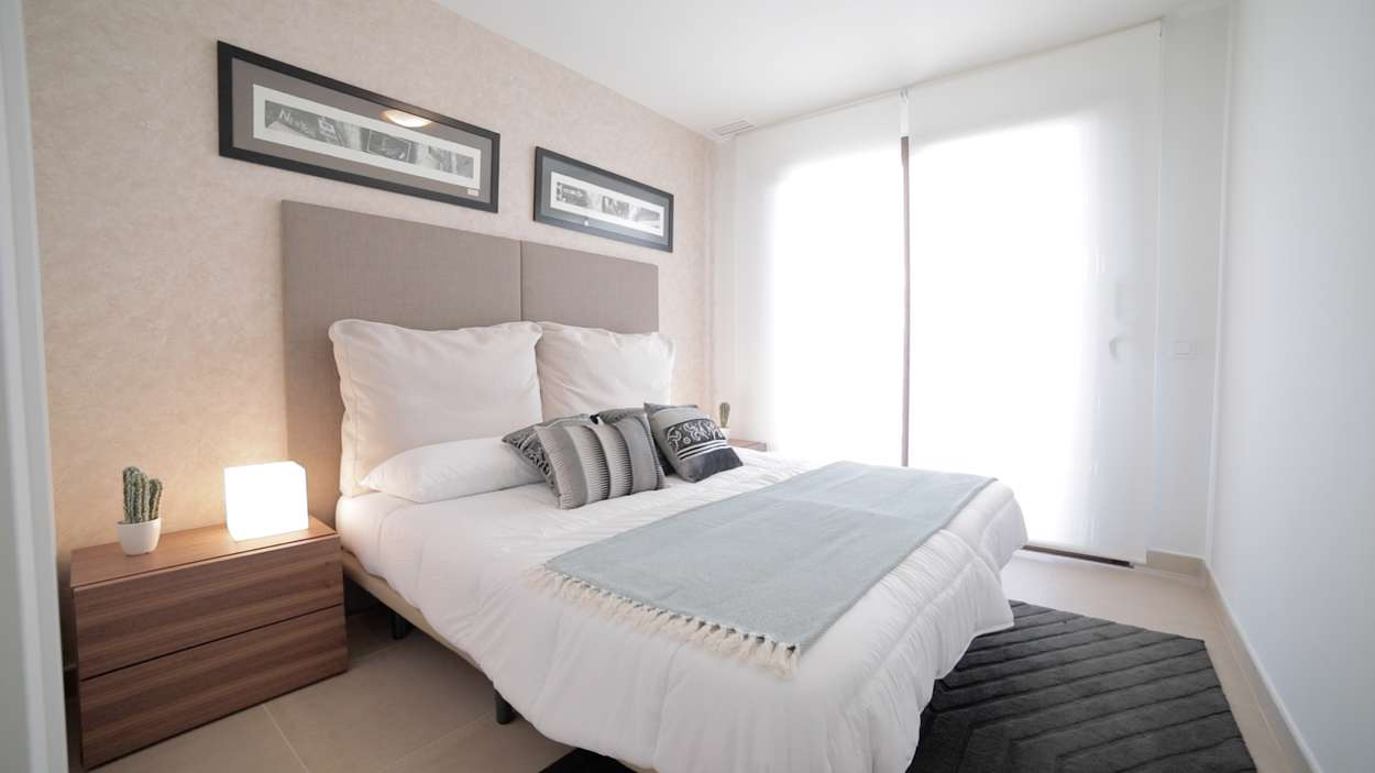 Rymmligt sovrum