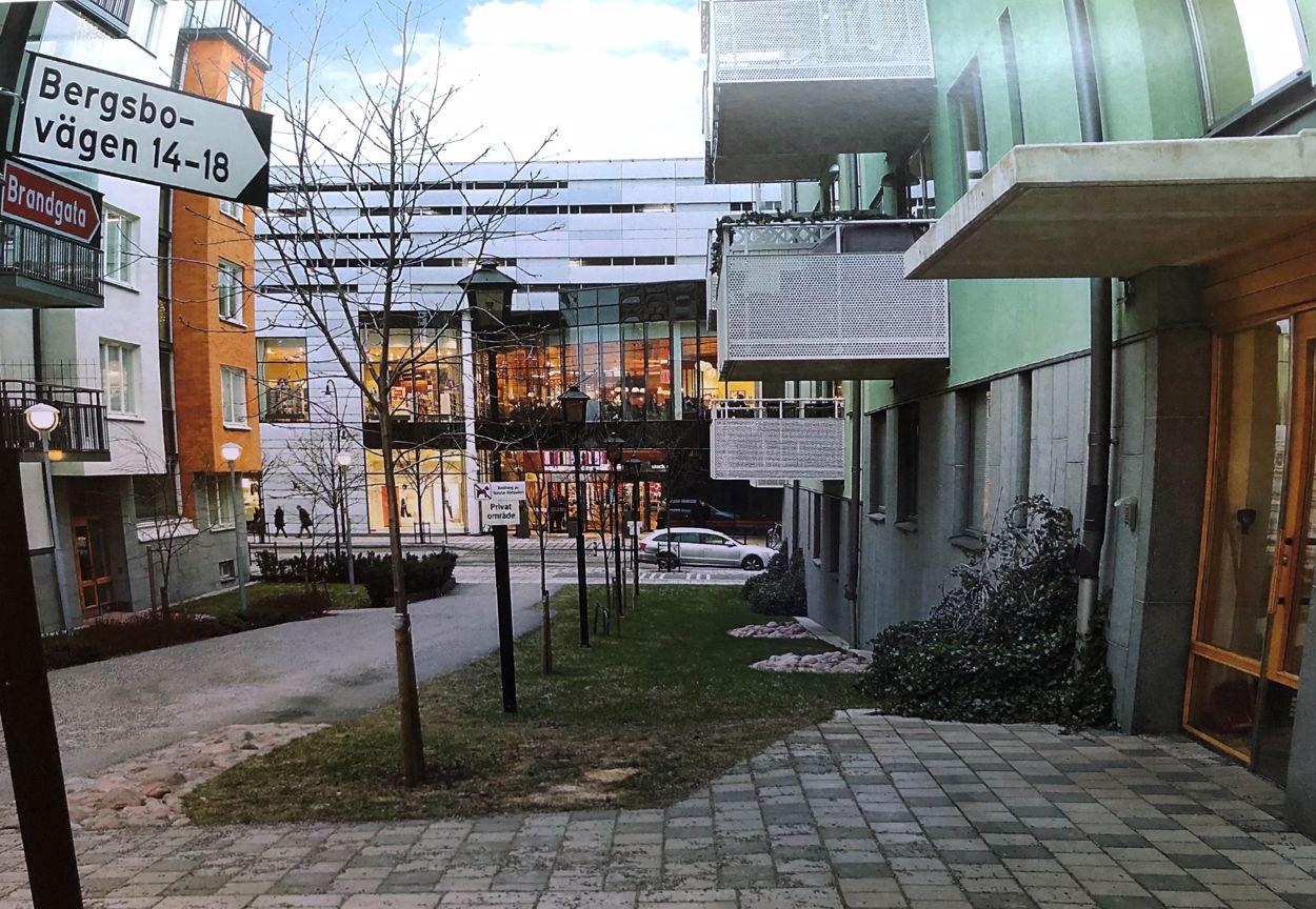 Från entrén till Centrum (säljarens bild)