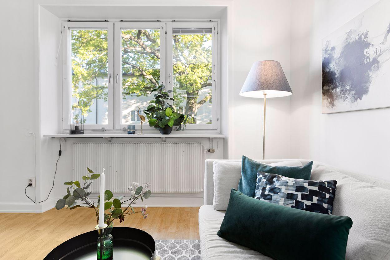 Stora fönster med fin utsikt